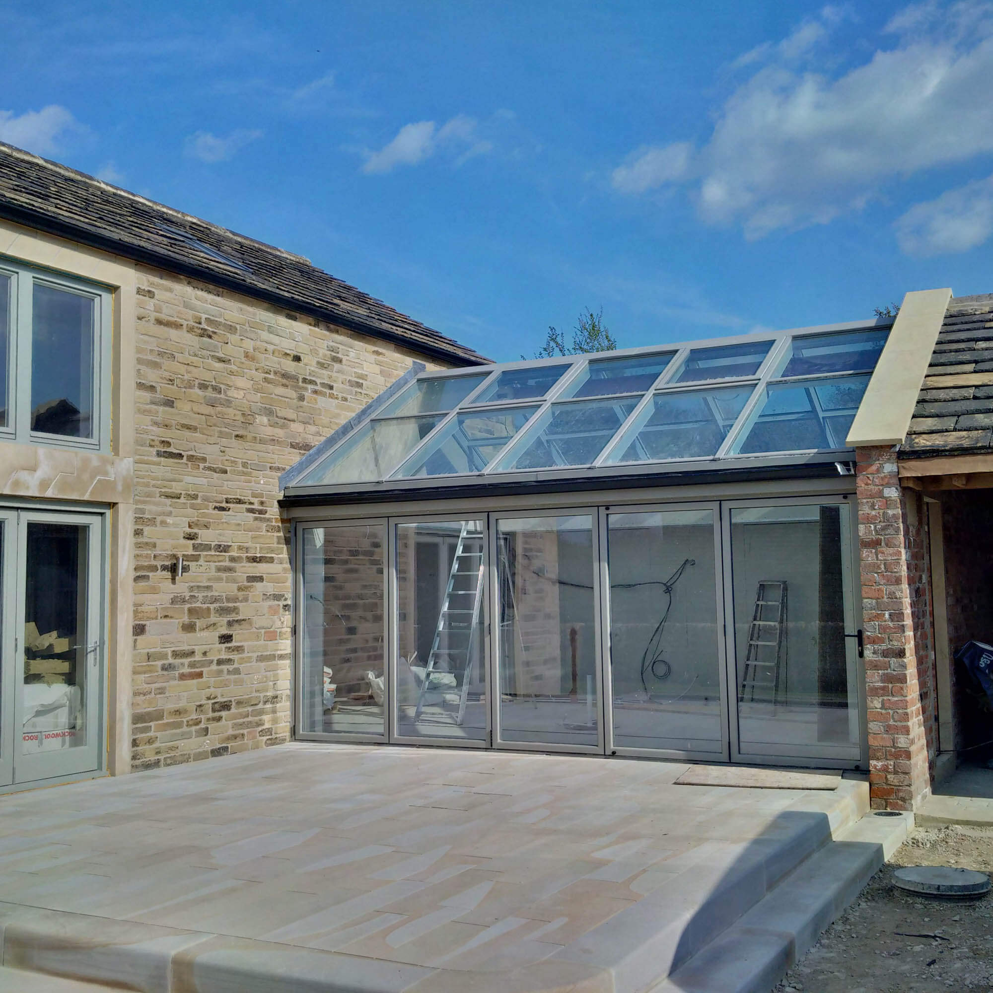 GLASS BOX, IN MIRFIELD COMPLETES!